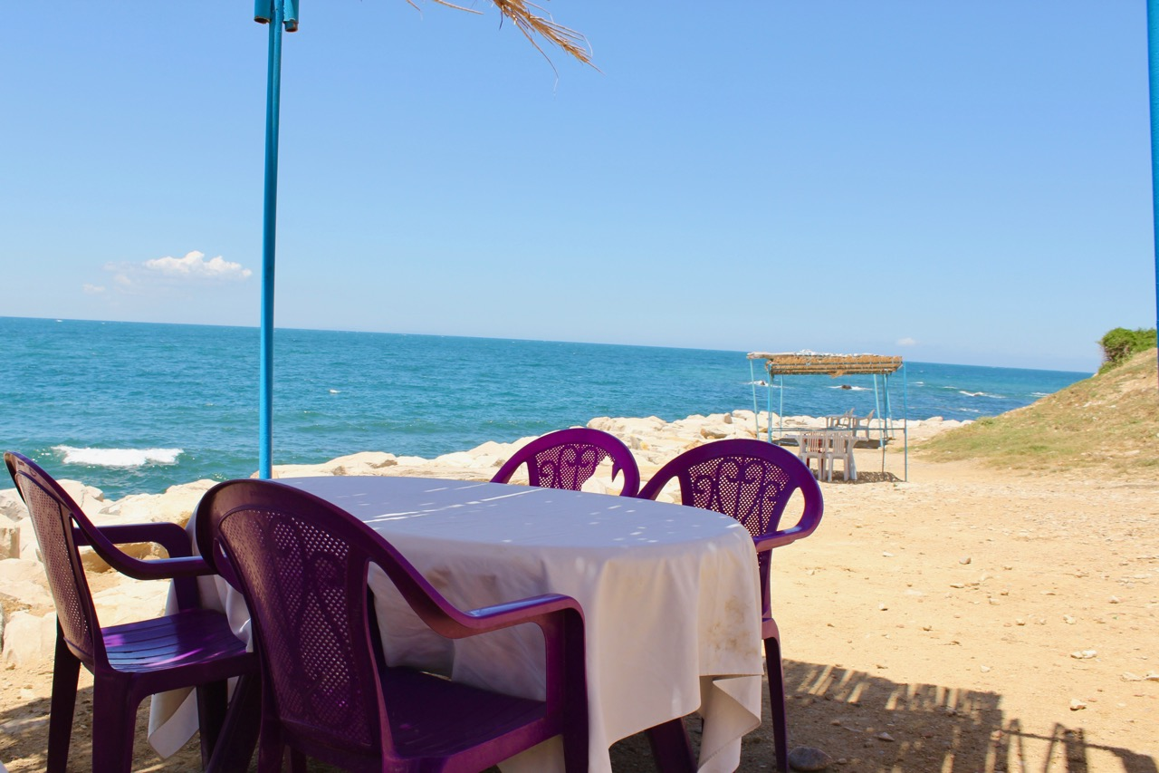 table-near-the-sea-at-korbous